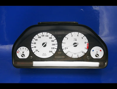 click here for BMW white gauges
